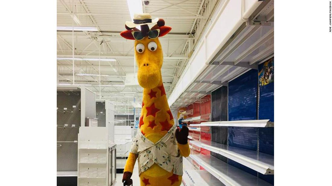 San Antonio Zoo Wants To Offer Toys R Us Mascot Geoffrey A New Job