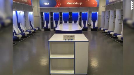 Japan s world cup team leaves behind a spotlessly clean locker