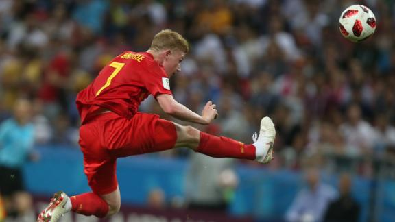 Kevin De Bruyne controls the ball against Brazil.