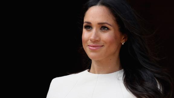 CHESTER, ENGLAND - JUNE 14:  Queen Elizabeth II and Meghan, Duchess of Sussex visit Chester Town Hall on June 14, 2018 in Chester, England. Meghan Markle married Prince Harry last month to become The Duchess of Sussex and this is her first engagement with the Queen. During the visit the pair will open a road bridge in Widnes and visit The Storyhouse and Town Hall in Chester.  (Photo by Chris Jackson/Getty Images)