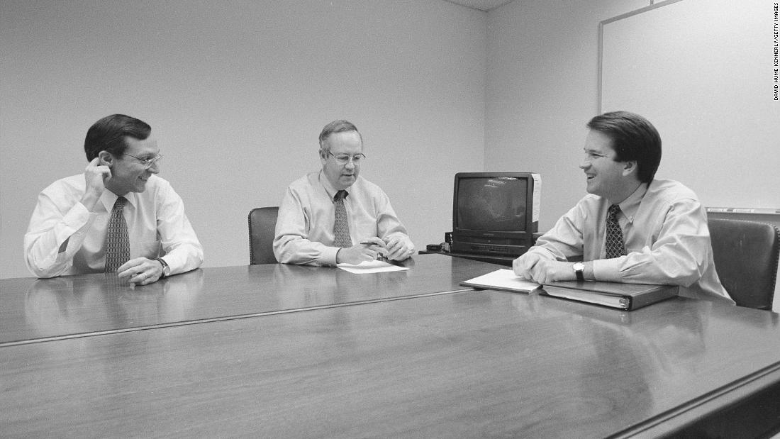 From left, Deputy Independent Counsel John Bates, Starr and Kavanaugh meet in the Office of the Solicitor General during the Whitewater investigation in November 1996.