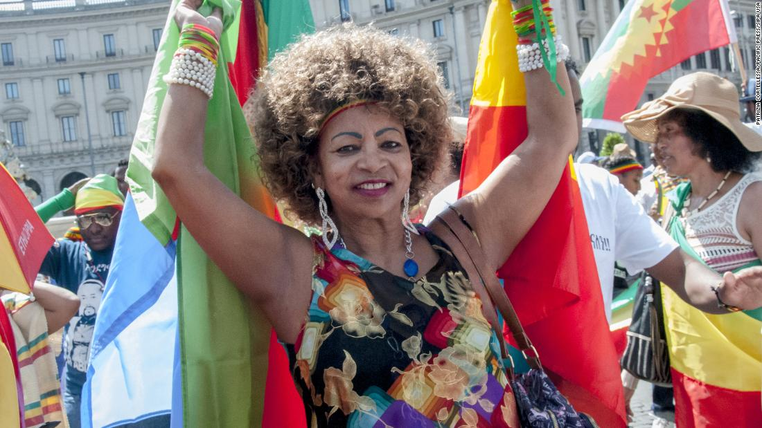 Ethiopians are calling Eritreans as phone lines open after 20 years