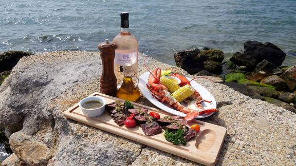 Duryea's: One of the most popular spots in The Hamptons, this classic lobster shack serves a consistently fresh menu and has a low key atmosphere that only adds to its charm.