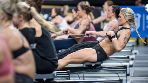 Davidsdottir begins her CrossFit Regionals campaign with a 3,000m row.