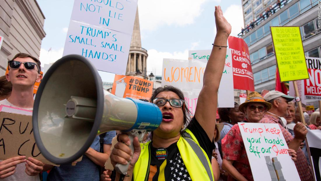 9a7e6114b5 London protests send clear message to Trump: You're not welcome - CNN