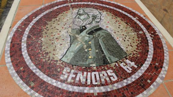 A mosaic of Gen. Robert E. Lee was removed from a San Antonio high school and is among the hundreds of items being auctioned off.