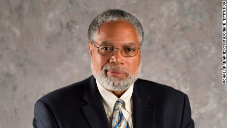 Lonnie G. Bunch becomes first ...