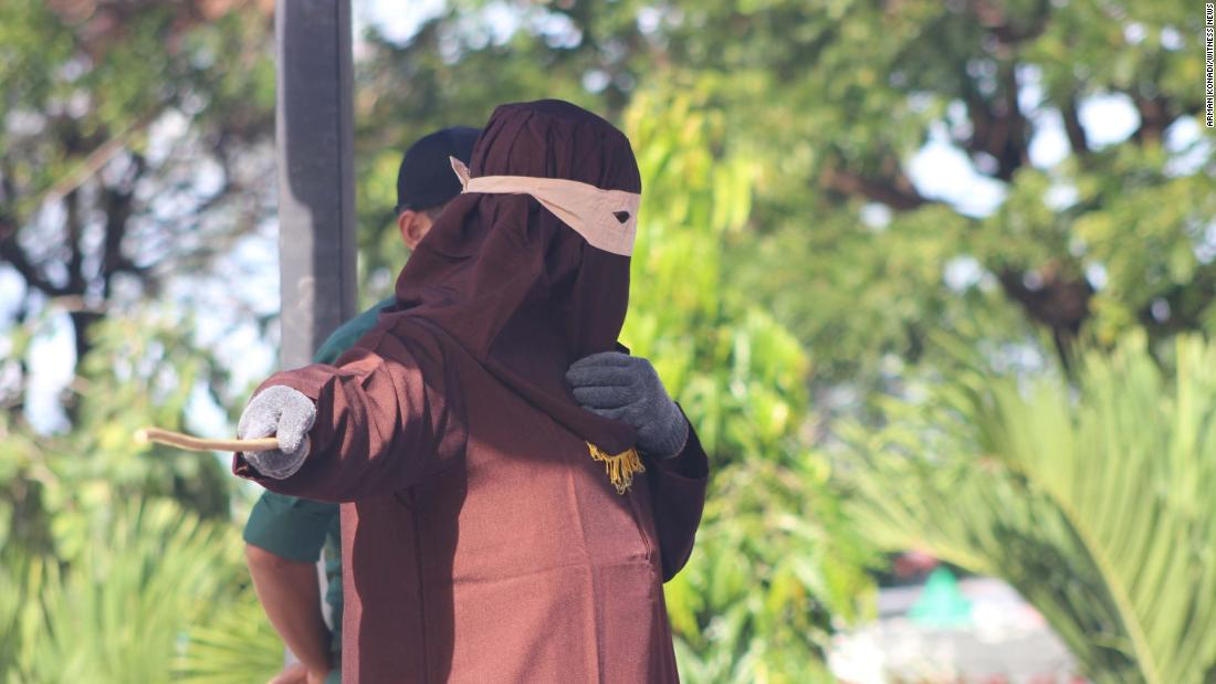 Gay Men, Adulterers Publicly Flogged In Aceh, Indonesia - Cnn-8237