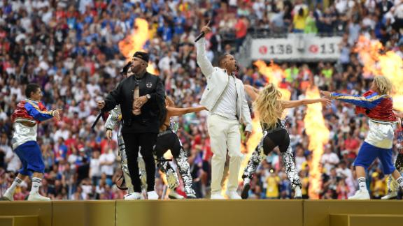 Will Smith and Nicky Jam perform during the closing ceremony held before the final.