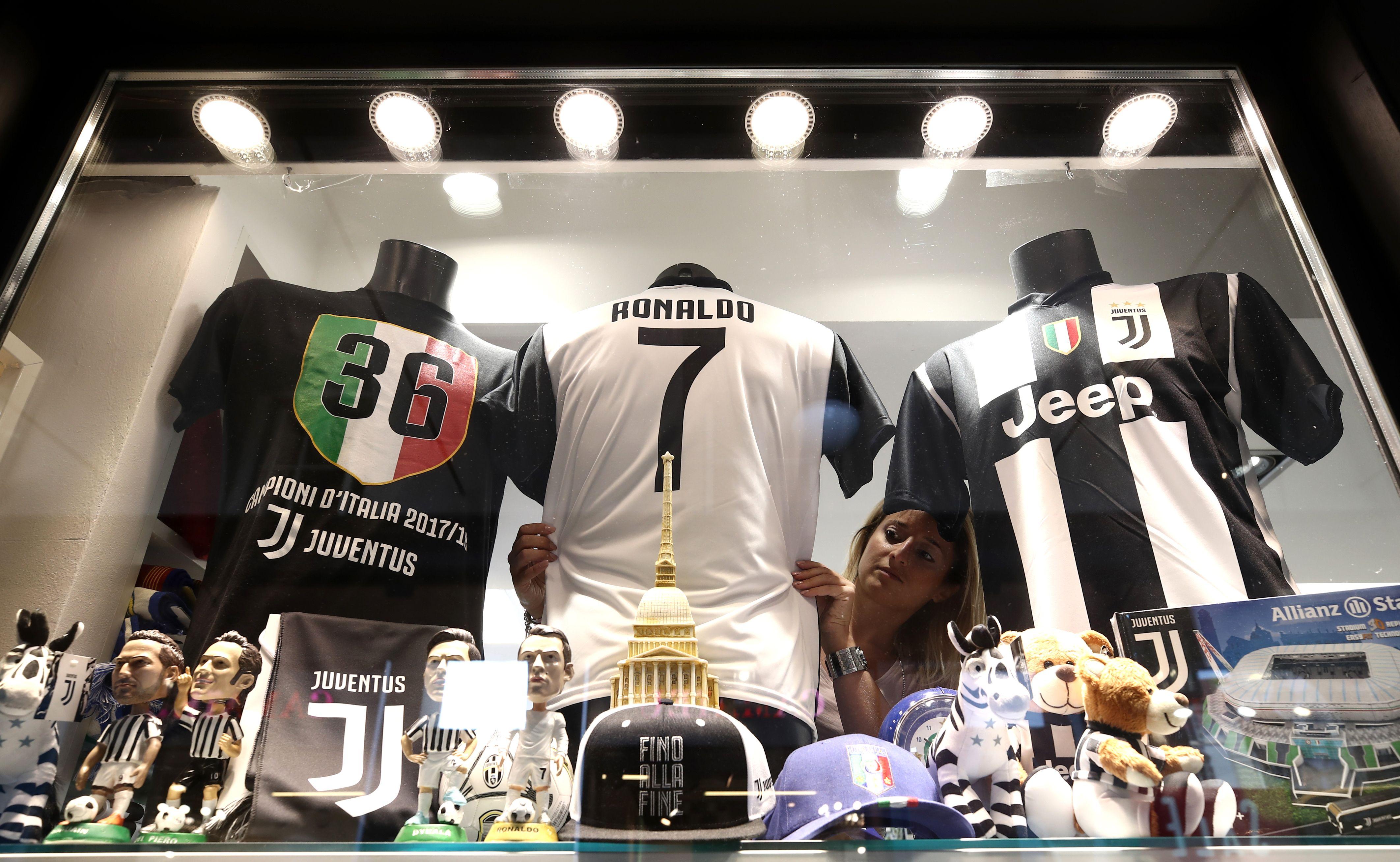 the latest b926b ffdb9 Cristiano Ronaldo's unveiling at Juventus