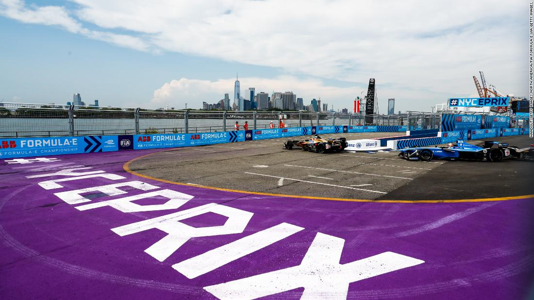 Racing against the iconic Manhattan skyline, Formula E returned to Red Hook, New York for its season finale.