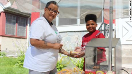 Jaequan Faulkner is the proud owner of his own hot dog stand, with the city's help.