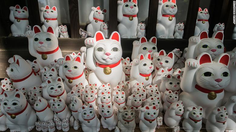 Inside the Tokyo temple where the 'waving cat' was born