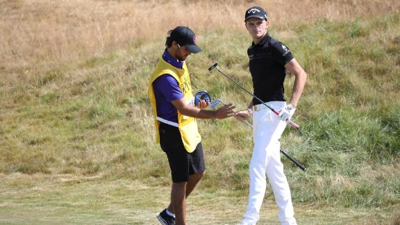 Turner swaps clubs during the Open