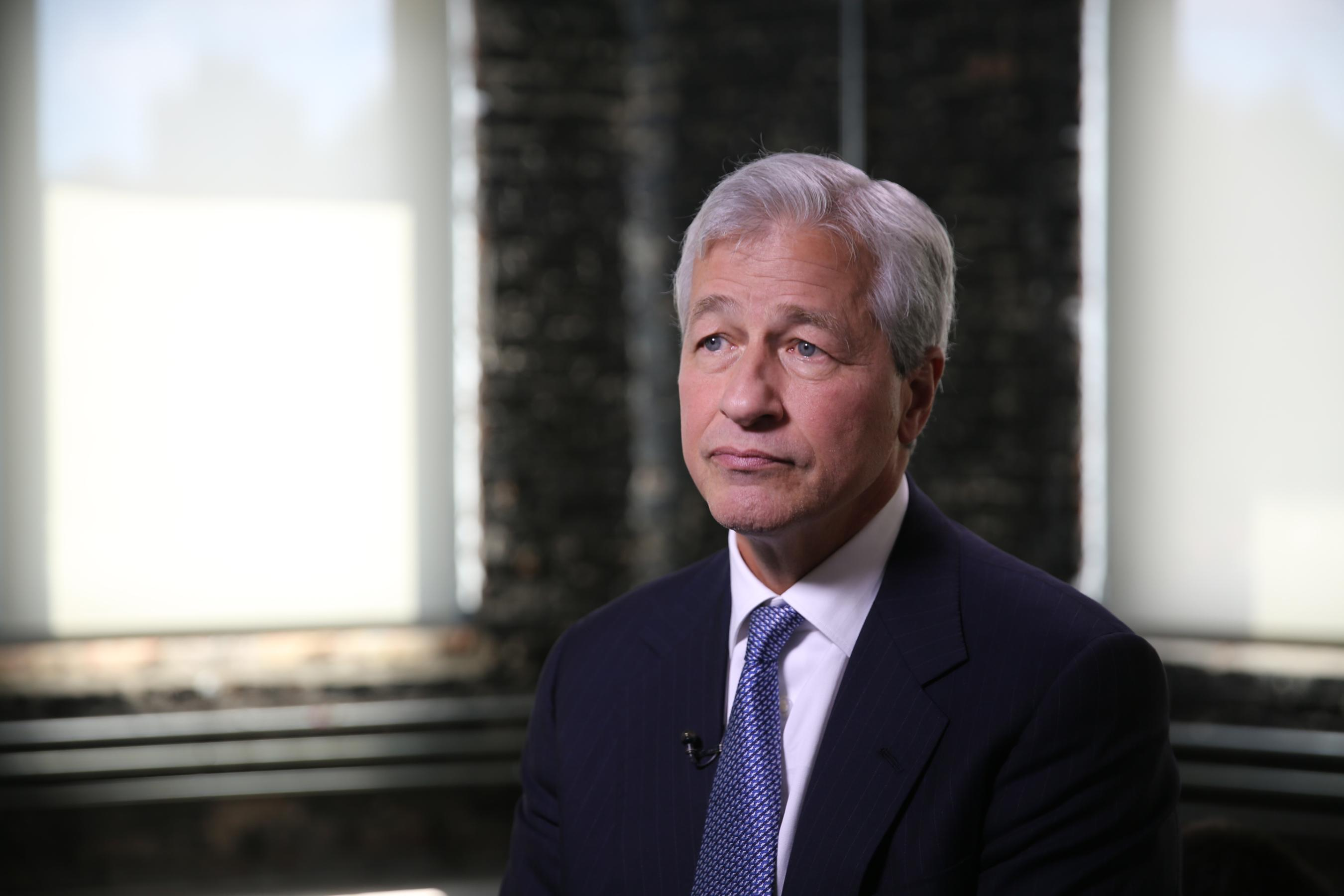 JPMorgan Chase wants to hire more ex felons - CNN Video