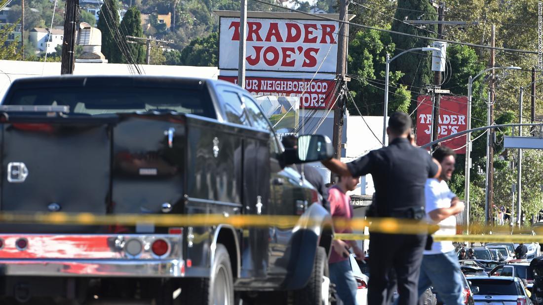 Gunman barricaded inside L.A. Trader Joe\'s - CNN Video