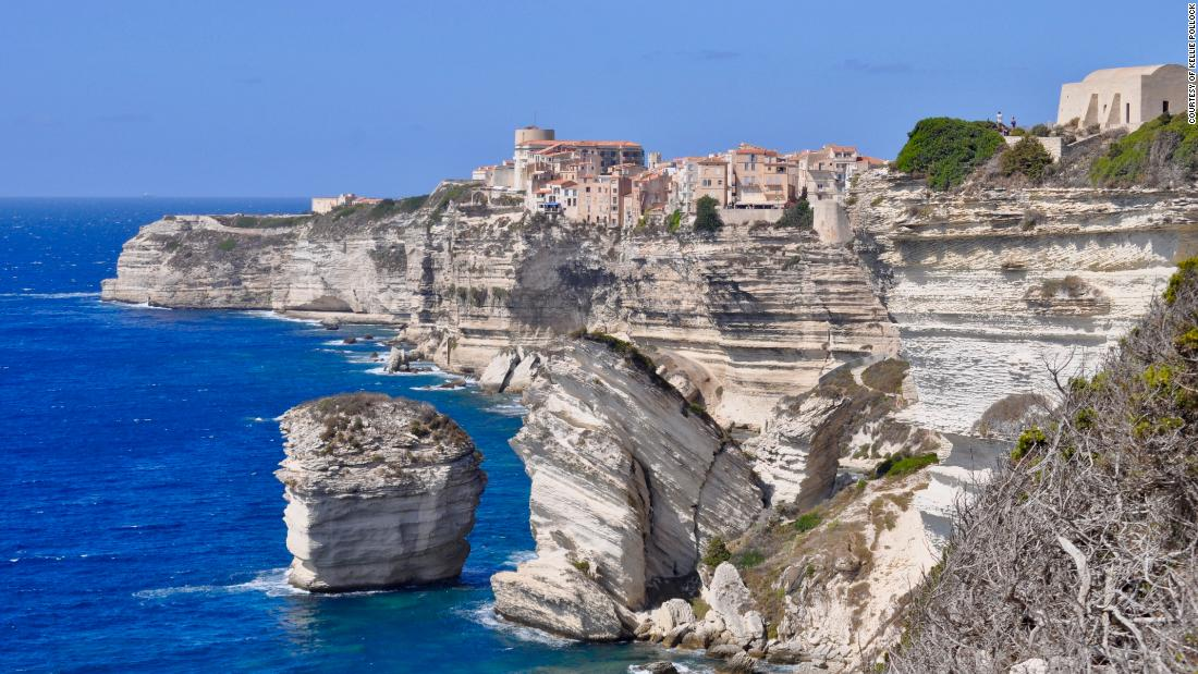 The village is perched precariously on top of cliffs that have been chiseled away by the Mistral winds.