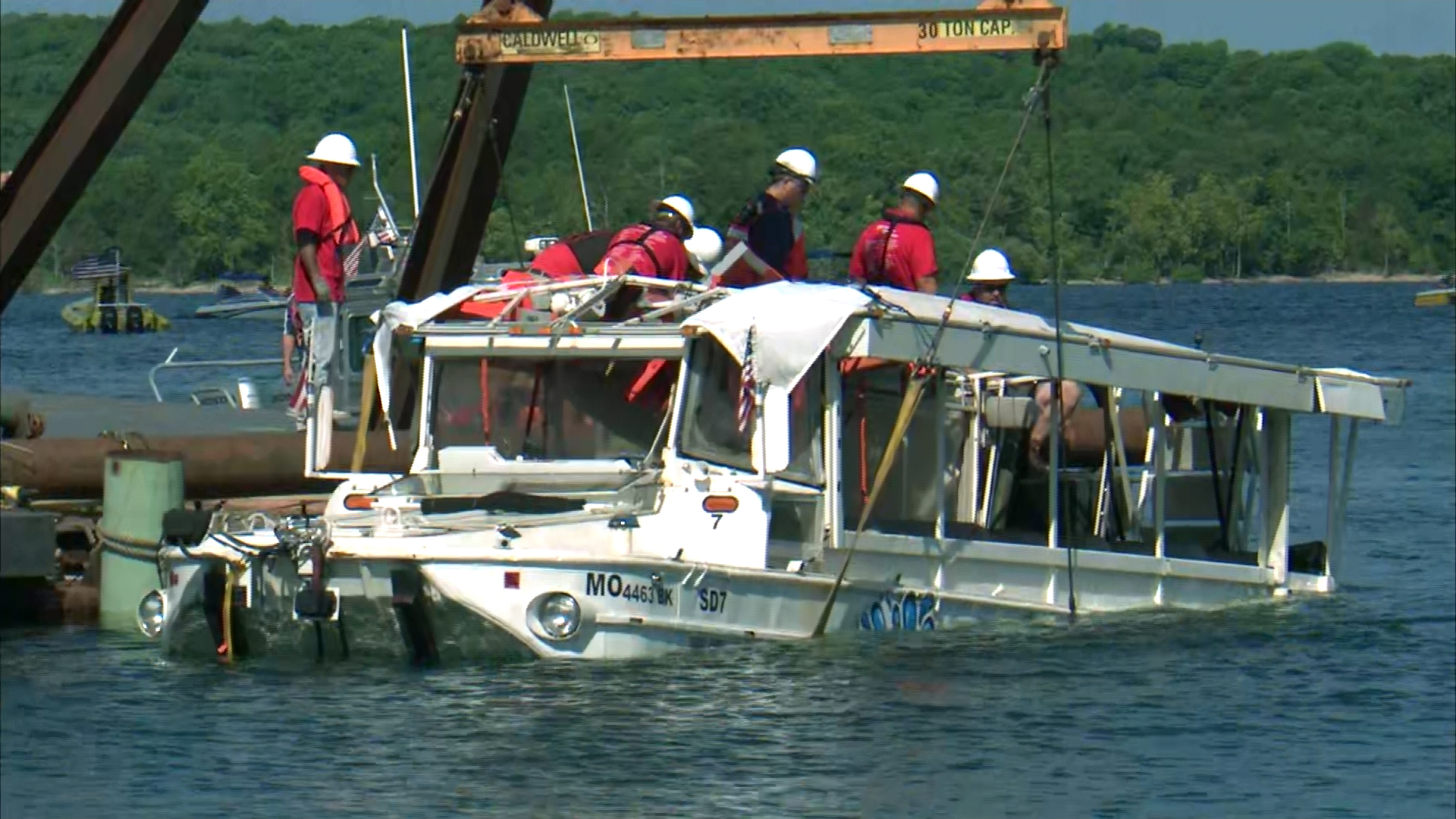 Tragic Fishing Accident In Lake Geneva >> Tourists Killed After Duck Boat Capsized Cnn Video