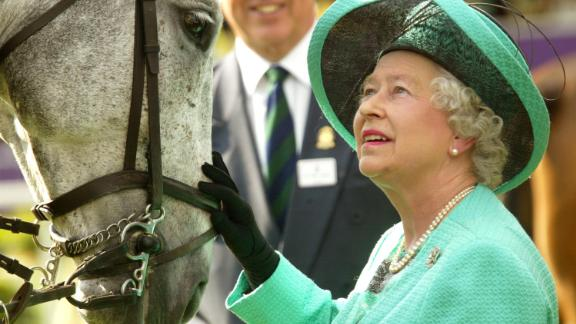 WINDSOR, ENGLAND - MAY 15:  Queen Elizabeth II attends the third day of the Royal Windsor Horse Show at Home Park on May 15, 2004 in Windsor, England. (Photo by Carl De Souza/Getty Images)