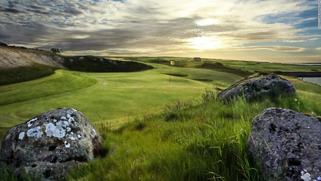 Keilir is one of the most beautiful golf courses in Iceland. Situated in the town of Hafnafjordur, around 15 minutes from the capital, Reykjavik, the course is hugely popular with the locals.