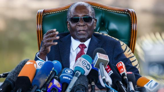 """Robert Mugabe addresses media on July 29, 2018 during a surprise press conference at his residence """"Blue Roof """" in Harare."""