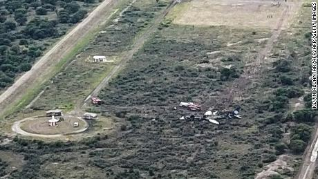 No one injured in Mexico plane 'miracle crash'