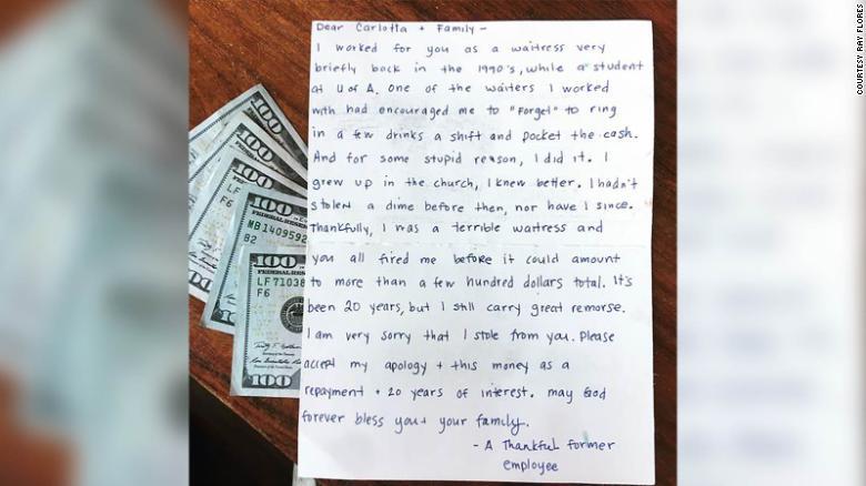 nuovi stili 36ca4 65a00 Restaurant owner reacts to waitress apology