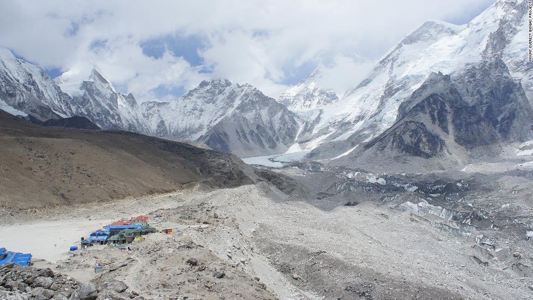 Solving Everest's mounting poop problem - CNN