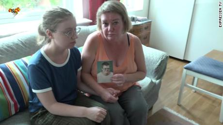 Eric Torell's mother, Katarina Söderberg, and older sister, Elsa.