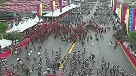 caracas explosion interrupcion discurso maduro militares corriendo brk venezuela_00002017.jpg