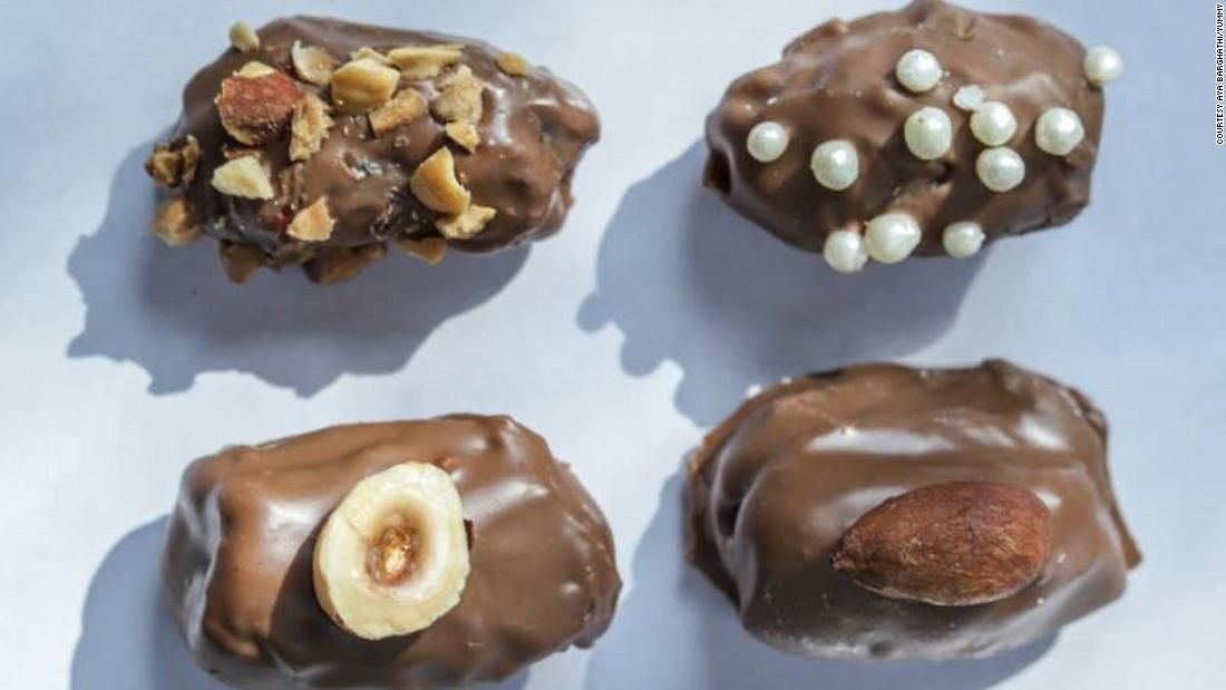 Yummy delivers homemade food, cooked from the comfort of women's own kitchens. This way, it helps women find work in a society where women working is not the norm. These chocolate-covered dates are available to order on the Yummy app.