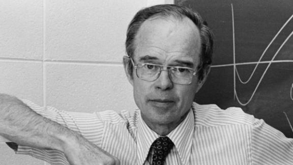 """Parker has been on the faculty at the University of Chicago since 1955. """"If I have good students, I enjoy teaching, and here in Chicago, we have a pretty good bunch of students. It was a pleasure to teach basic physics, which is what I'm most interested in."""""""