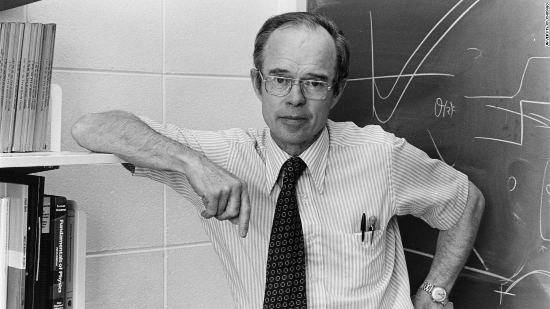 "Parker has been on the faculty at the University of Chicago since 1955. ""If I have good students, I enjoy teaching, and here in Chicago, we have a pretty good bunch of students. It was a pleasure to teach basic physics, which is what I'm most interested in."""