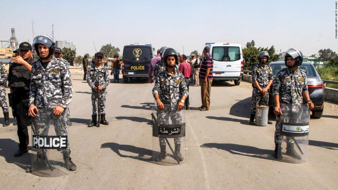 Egyptian police thwart suicide attack at Christian church