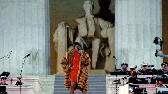 Franklin preforms at the Lincoln Memorial for President Clinton