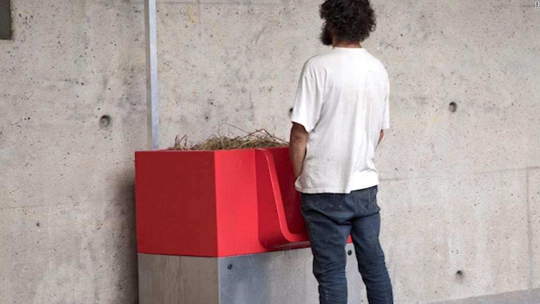 Open-air urinals cause uproar in Paris