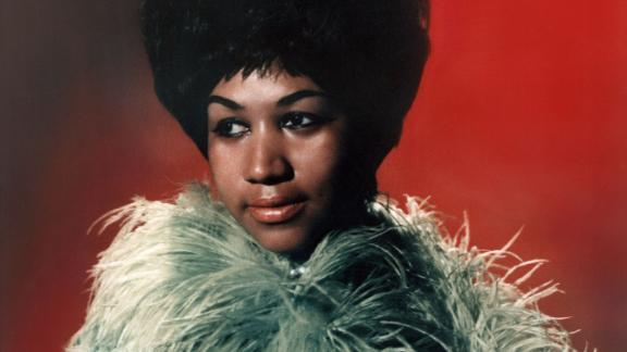 "CIRCA 1967:  The ""Queen of Soul"" Aretha Franklin poses for a portrait with circa 1967. (Photo by Michael Ochs Archives/Getty Images)"