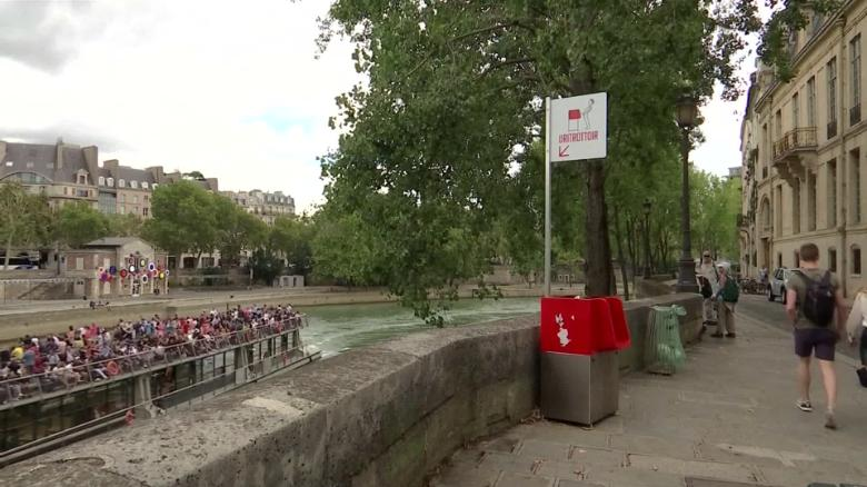 180814145359-02-paris-urinal-exlarge-169
