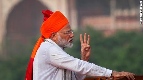 On Independence Day, Modi promises manned space mission