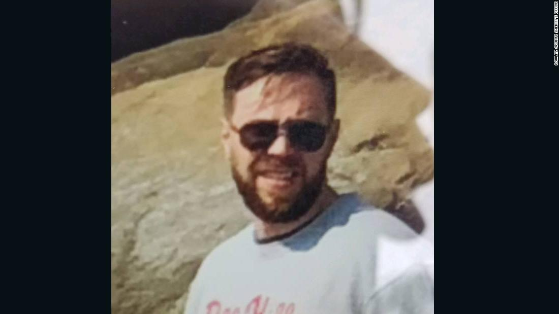 Man missing on Mount St. Helens...