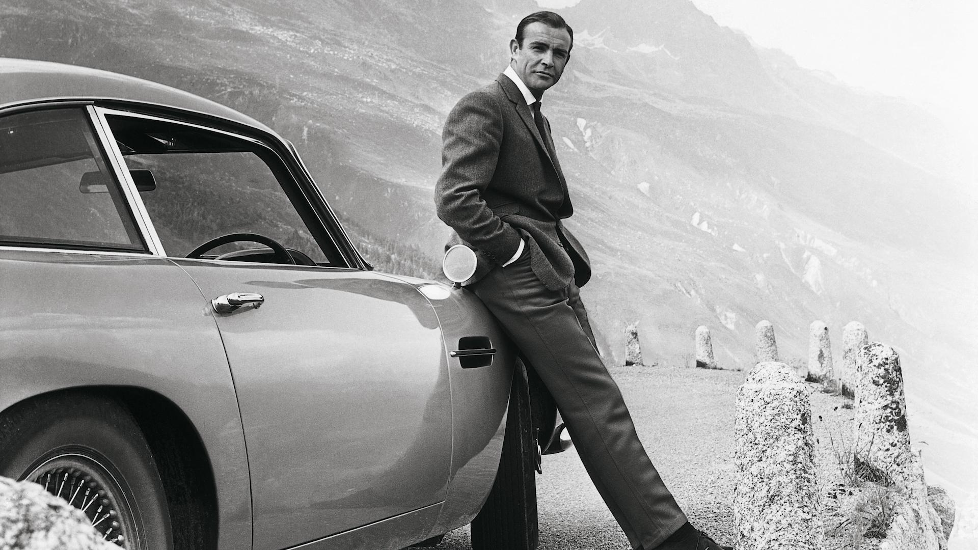 A New James Bond Aston Martin For 3 5 Million Rotating License