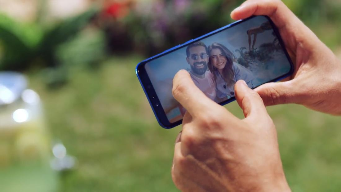 This smartphone camera ad wasn't shot with one - CNN Video
