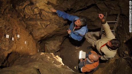 DNA reveals first-known child of Neanderthal and Denisovan, study says
