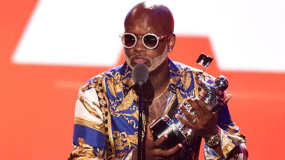 NEW YORK, NY - AUGUST 20:  Willy William accepts the award for Best Latin Video onstage during the 2018 MTV Video Music Awards at Radio City Music Hall on August 20, 2018 in New York City.  (Photo by Michael Loccisano/Getty Images for MTV)