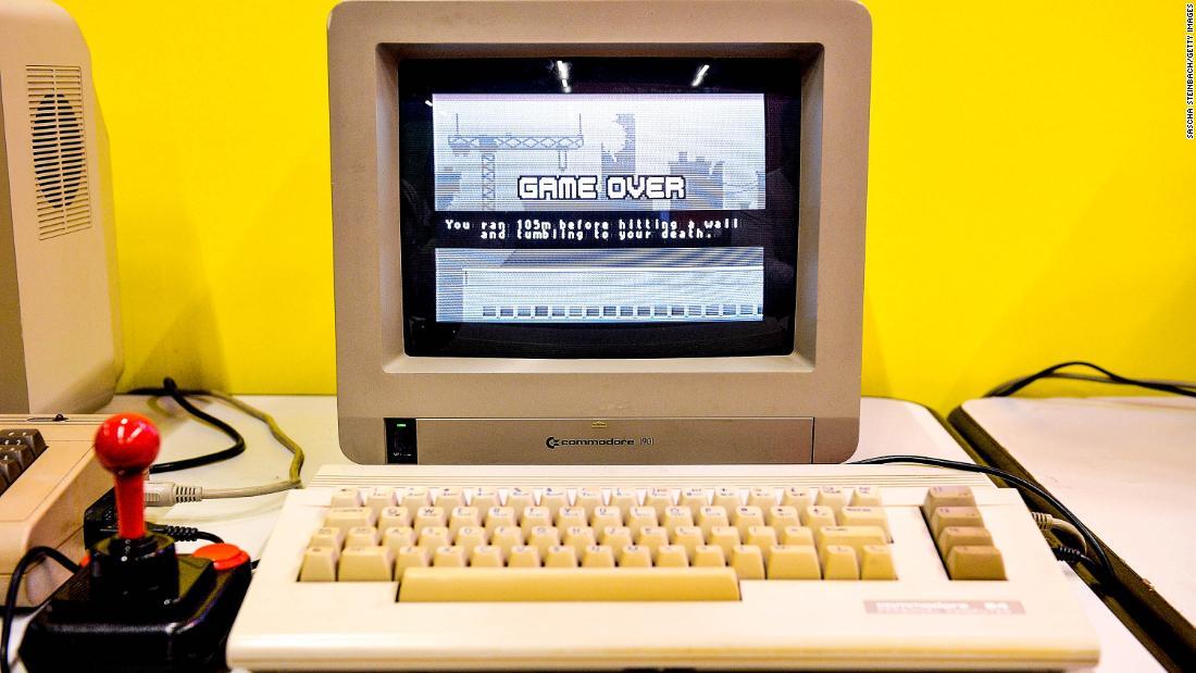 Myydään Commodore 64
