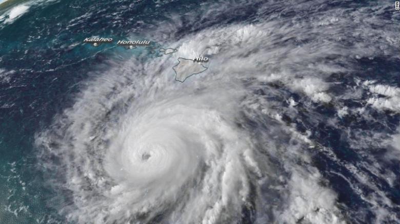 hawaii gets 19 inches of rain ahead of hurricane lane cnn