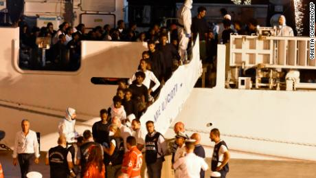 Salvini facing investigation as migrants in Italy finally allowed to disembark