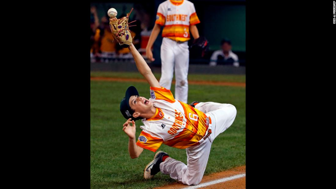 Carter Pitts reaches for a catch during a Little League World Series game on Monday, August 20.