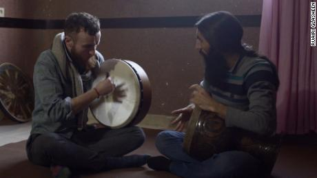 Ruairi Glasheen hones his Iranian drumming skills with tonbak expert Javad Alirezaei.