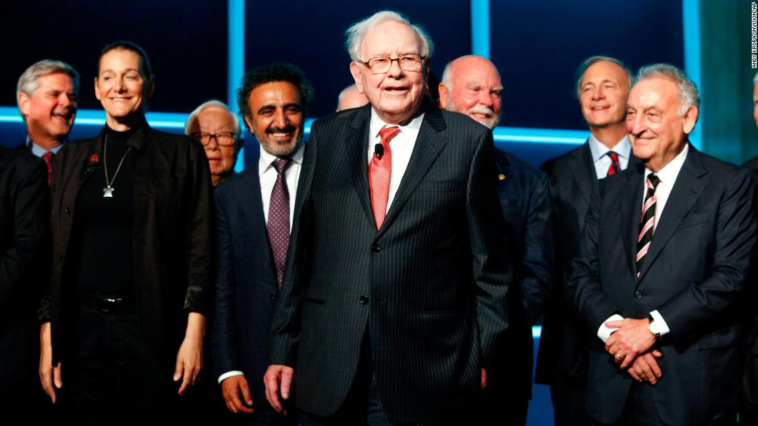 Buffett attends Forbes' 100th anniversary gala in New York in 2017.